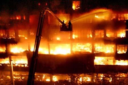 消防防毒面具在火灾中的使用