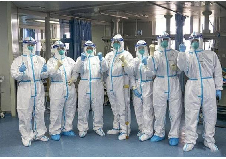连体一次性医用防护服在隔离病房使用图